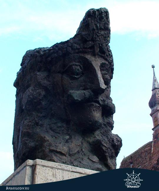 Памятник Владу Цепешу в Сигишоаре